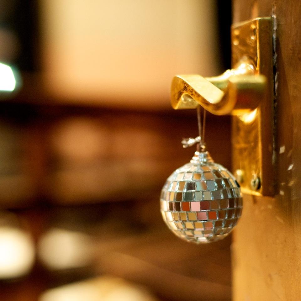 disco door